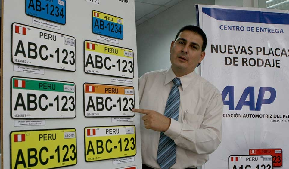 Amplian plazo para cambio de placas vehiculares-diciembre