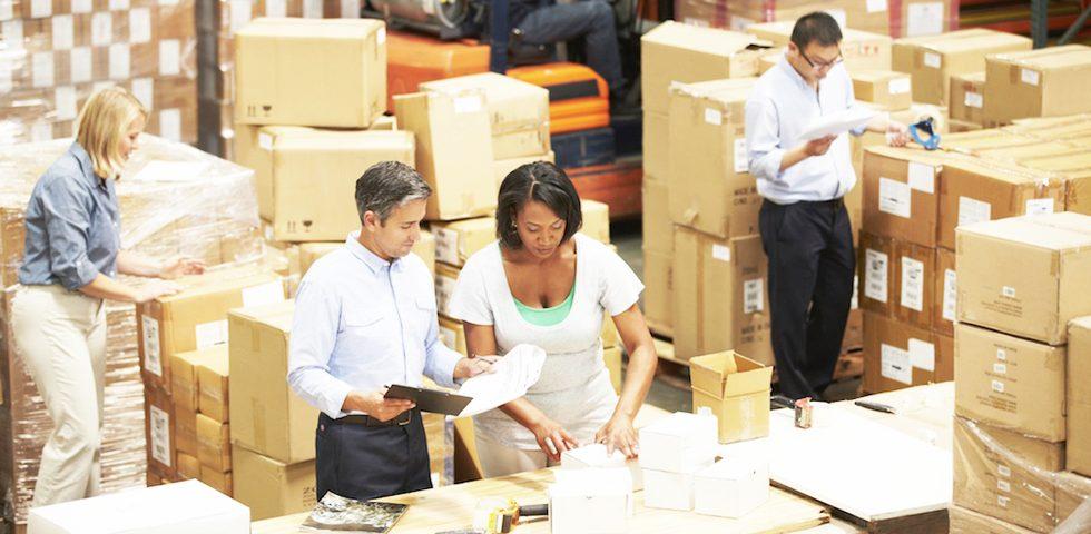 Una buena gestión de inventarios ayuda a proveer y distribuir las mercancías adecuadamente dentro de la empresa, también controla y previene la perdida de las existencias
